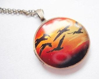 Necklace Medaillion bird flight