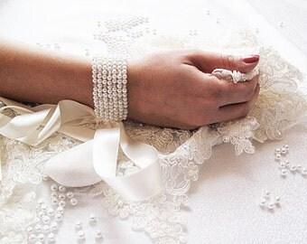Pearl and Crystal Cuff Bracelet, Wedding Cuff, Pearl Bracelet, Bridal Cuff, Bridal Accessories, Weddings Jewelry