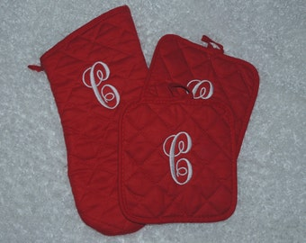 Monogrammed Pot Holders and Matching oven mitt