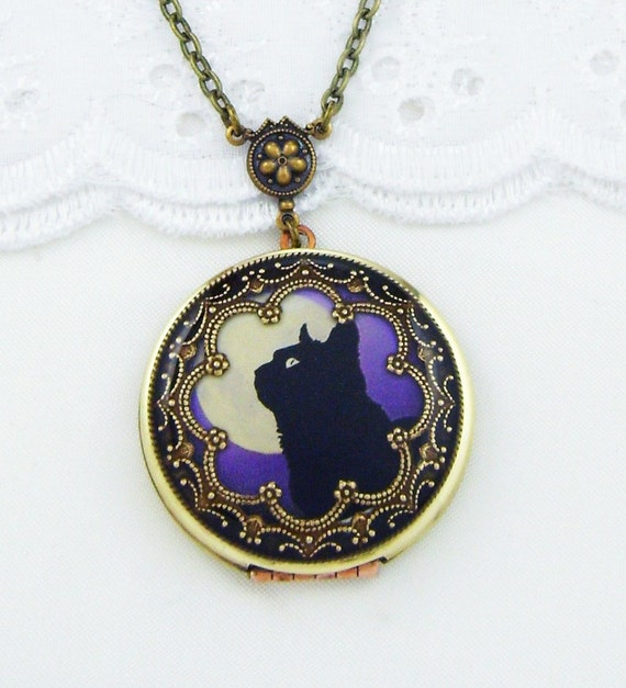 Cat Locket, Black Cat Staring At The Moon Resin Vintage. 4 Carat Emerald. Halo Engagement Rings. Tattoo Anklet. Expensive Chains. Sustainable Wedding Rings. Man Bracelet. Purple Stone Rings. Trilogy Rings