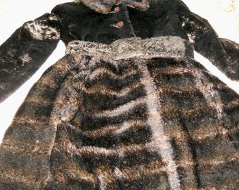 Vintage Ladies Fur and Crushed Velvet  Coat * So Cool and Hip* Imported fur from Germany