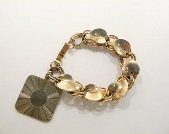 Beautiful Chunky Vintage Single Charm  Bracelet
