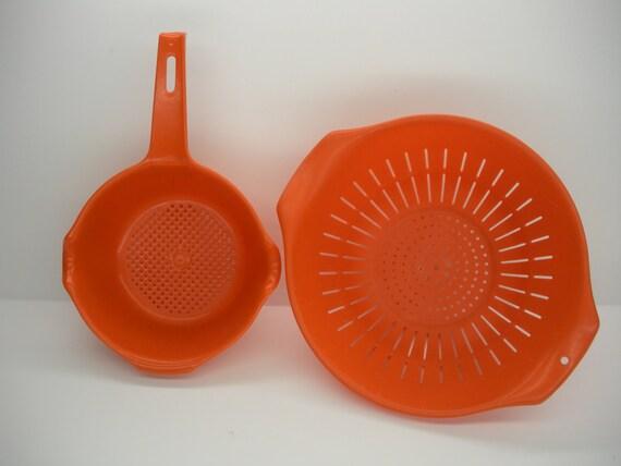 2 Vintage Rubbermaid Colanders Orange Strainer 1 Quart