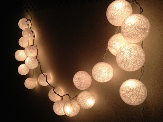 String lights white cotton ball by jaithepshop on etsy - Guirlande lumineuse exterieure blanche ...