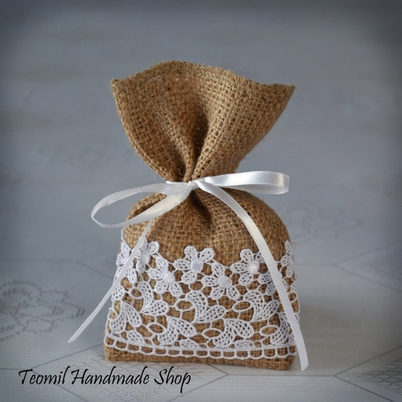Wedding Favour Gift Bags: Rustic Wedding Favor Bag Thank You Bag Burlap Lace Gift Bag
