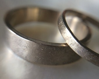 Rustic Sand Hammered White Gold Wedding Band Set- organic recycled gold wedding bands
