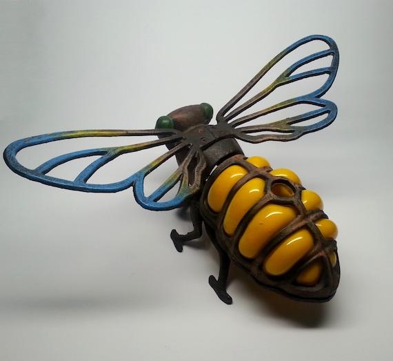 Items similar to Unique Vintage Cast Iron Bee Tea Light ...