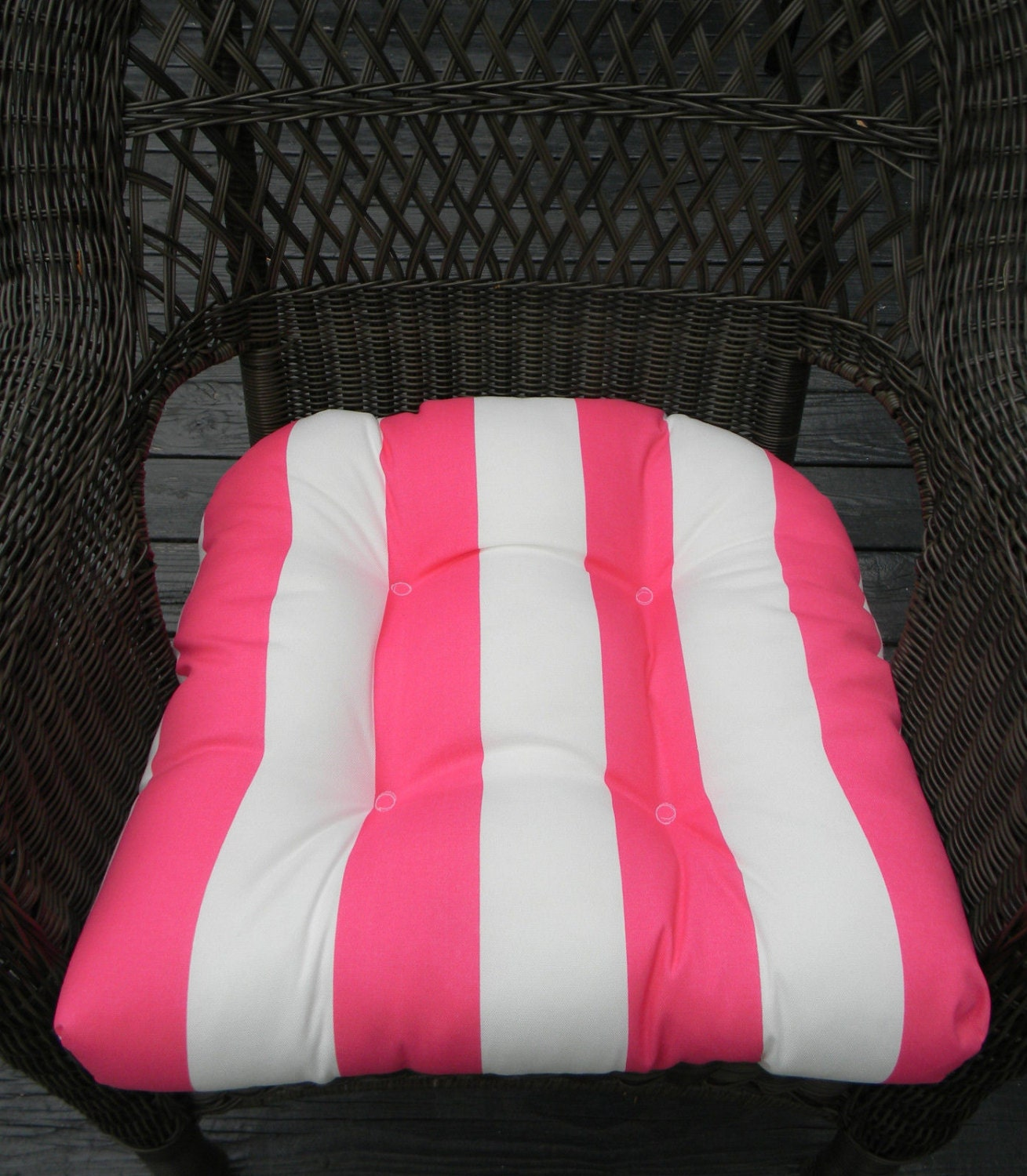 indoor outdoor universal wicker chair cushion pink and. Black Bedroom Furniture Sets. Home Design Ideas