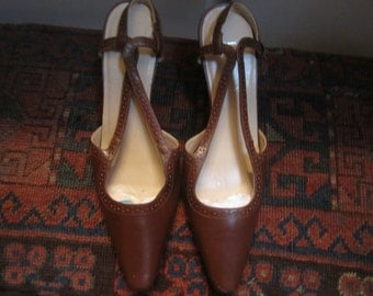 Ralph Lauren Womens Sling Back Pumps Size 7B Made In Brazil Sold As Is