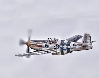 P51 Mustang image, War Fighter Photo, Vintage War Plane, WWII Fighter Photo, Aircraft Images, Aircraft Photos,