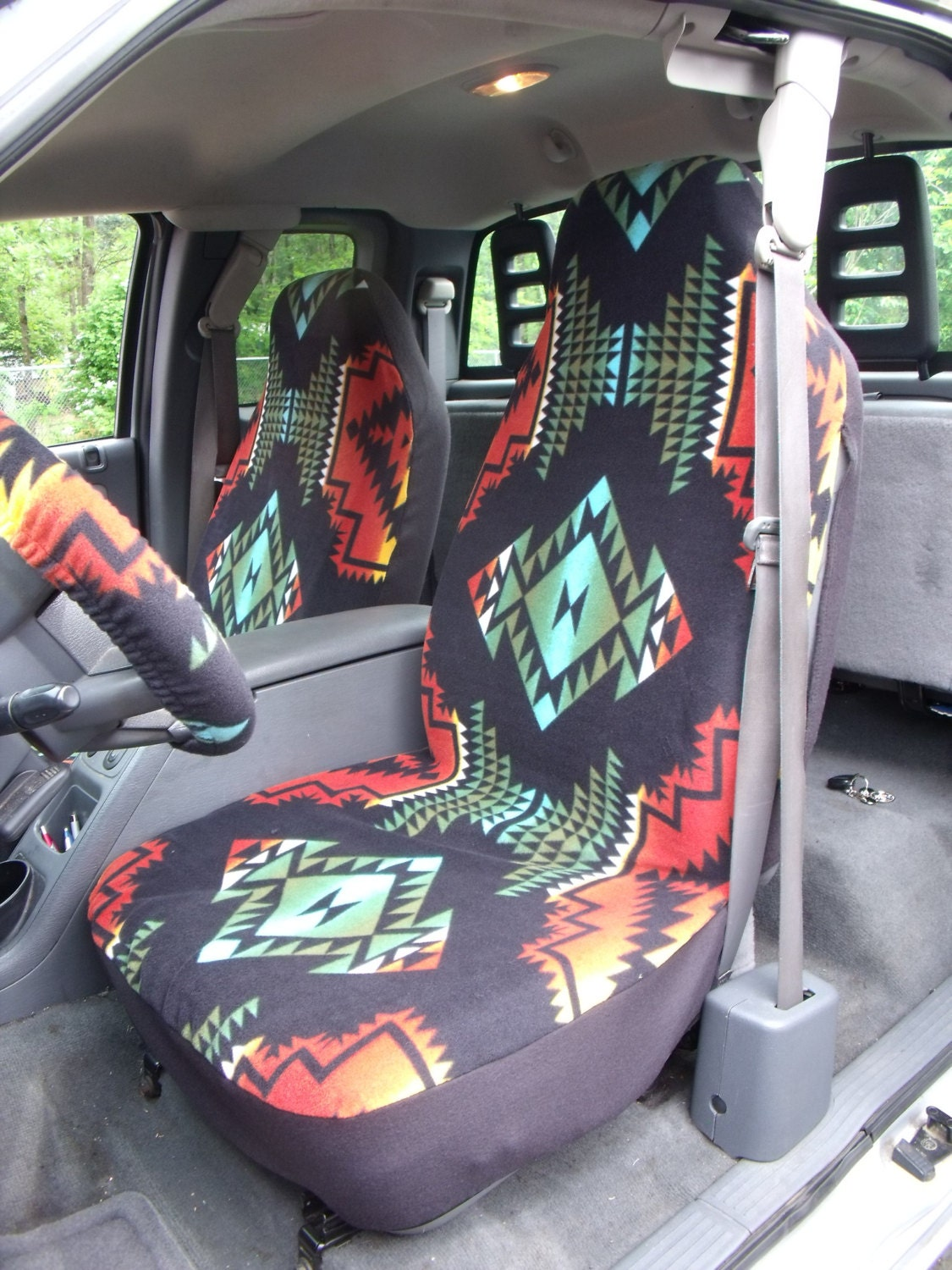 1 set of aztec print seat covers and steering wheel cover. Black Bedroom Furniture Sets. Home Design Ideas