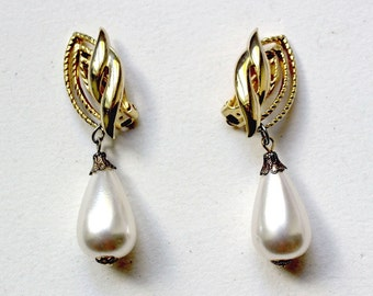 1990s Trifari goldtone large faux-pearl dripping earrings