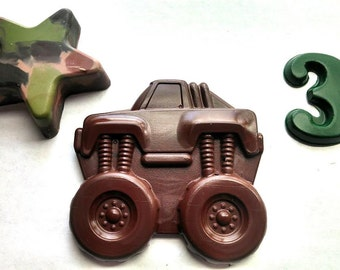 Monster Truck and Camo Star Crayon Loot / Goody / favor bags -  set of 10