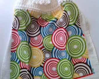 Bright Overlapping Circles Crochet Top Towel  (R5)