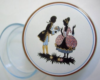 Rococo scene: Age old painted glass jar. Diameter 10 cm. Fantastically beautiful, playful and elegant. VINTAGE