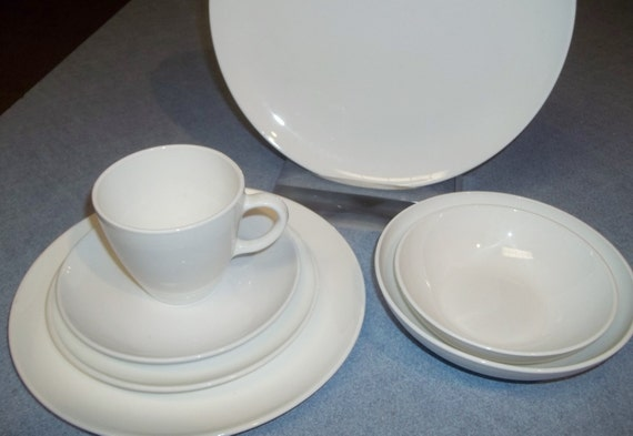 Corning Centura Coupe 42 Pc White Dinnerware Set Plates