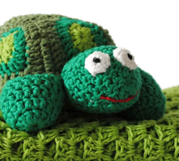 Bamboo/Cotton Crocheted Baby Blanket & Amigurumi Turtle Toy - Newborn Baby Gift