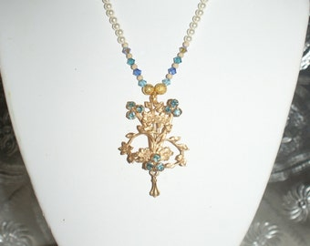 Vintage Floral Blue Brooch Necklace