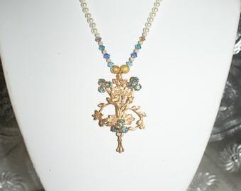 Vintage Floral Blue Brooch Necklace