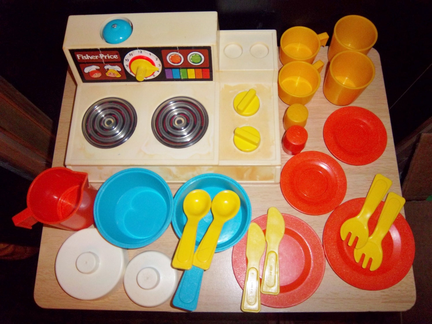 Vintage fisher price kitchen set fun with food by for Funny kitchen set