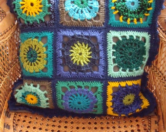 Cushion cover in blue/green/yellow (50 cm at 50 cm)