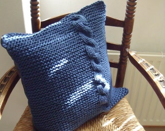 dark blue Cushion cover in garter St and with cable (50 cm/50 cm)