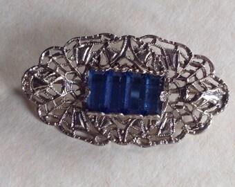Vintage brooch - Filigree set with blue glass