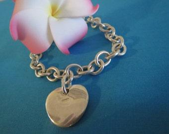 Timeless Vintage Sterling Silver Link Bracelet with Heart Charm
