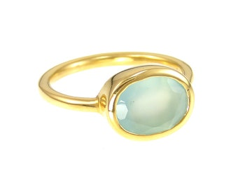 Seafoam Chalcedony Ring, Aqua Chalcedony Stackable ring, Calcedony Ring, Gold Ring, Oval Ring, Gemstone Ring, Stacking Ring, Bridesmaid ring