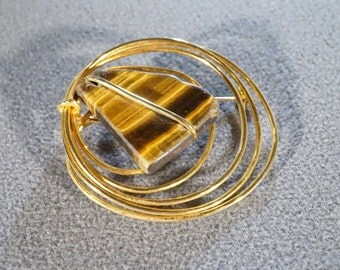 Vintage Yellow Gold Tone Pin Brooch with Hoop Design and Genuine Tiger's Eye Stone  B