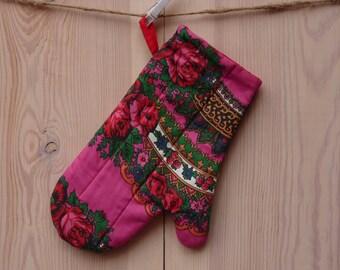 Oven Mitt, floral oven mitt, potholder, pink, floral pattern
