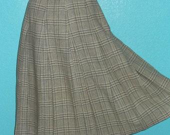 "50s ""Peck & Peck NY' Vintage Wool Plaid Skirt — size 8"