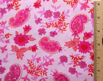 Jennifer Paganelli fabric JP42 Fuchsia pink floral flowers paisley Queen Street Jodi free spirit cotton sewing/quilting fabric By the yard