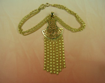 1960's Pendant Necklace with Chain Accents