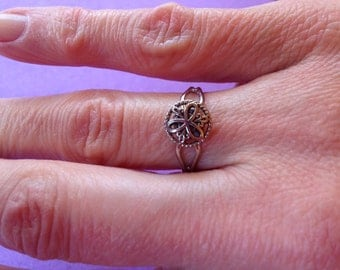 Silver vintage button ring