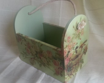 wooden basket, container, birds