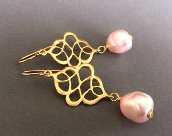 Pink Baroque Pearl Gold Drop Earrings, Bridesmaid Pink Earrings, Pink and Gold Wedding Earrings