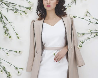 Light beige romantic trench coat//summer spring coat// belted woman rain coat