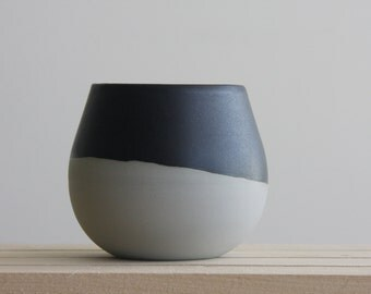 Ceramic bowl in concrete gray with black mat glaze. Great for soups and desserts.modern and urban look.
