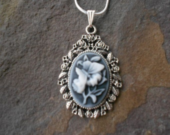 "Stunning Gray Butterfly Cameo Pendant Necklace---.925 plated 22"" Chain--- Great Quality"