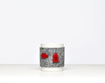 mug cozy - cup cover in felt - gift idea
