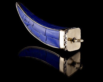 Claw Design Brass Pendant With Lapiz Stone