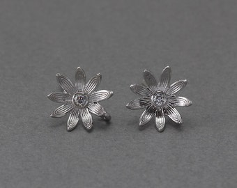 Flower Post Earring .Wedding, Bridal Jewelry, 925 Sterling Silver Post . Polished Original Rhodium Plated over Brass  / 2 Pcs - FC047-PR-CR