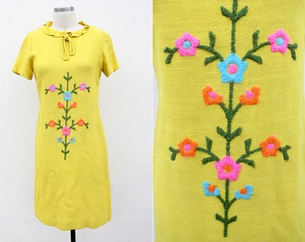 Vintage 1960's Linen Yellow Shift Dress w/ Floral Embroidery // 60s 70s // flower embroidered // mad men