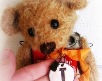 Artist Bear   Vintage Turmeric Tin Bear