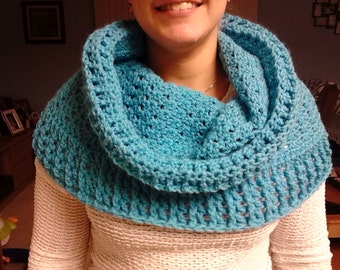 Bulky Stacked Turquoise Shell Cowl / Turquoise Infinity Scarf