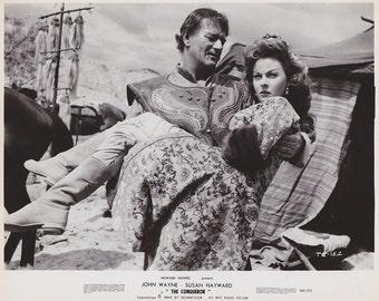"""Vintage Press photograph John Wayne & Susan Hayward - """"The Conqueror"""" - c.1956 - Movies"""
