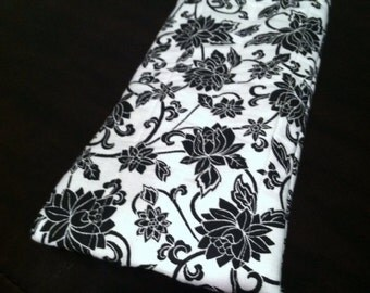Black and white flower eye glass case