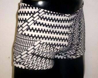 Mens Hotpants Scuba Jersey L LARGE 34-38 inch White Black Crazy Geometric Booty Shorts Tight Fit Spandex Stretch Pants Yoga Swimwear Mooners