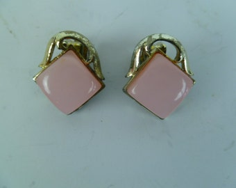 Vintage Pink and Gold Clip On Earrings